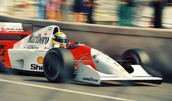 Senna-hacia-la-victoria-en-el-GP-de-Mónaco-de-1992