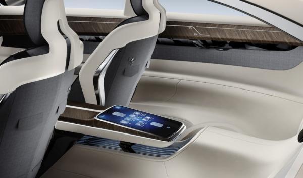 Volvo Concept Universe interior parte trasera