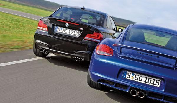 BMW-Serie-1-M-Coupé-Porsche-Cyaman-R-trasera