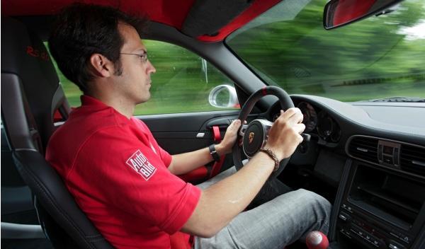 Porsche-911-RS-4.0-interior