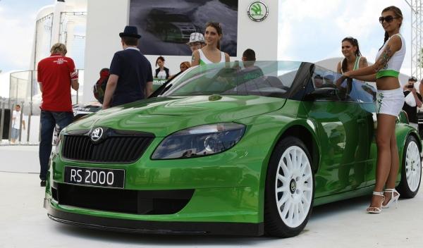 Skoda Fabia RS 2000 chicas