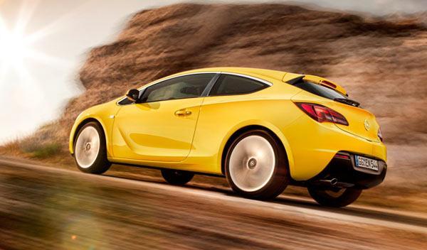 Opel Astra GTC trasera