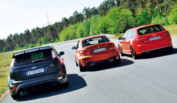 Audi-RS3-BMW-Serie-1-M-Coupe-Ford-Focus-RS-trasera