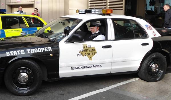 coche patrulla americano