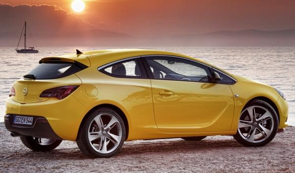 Opel Astra GTC lateral