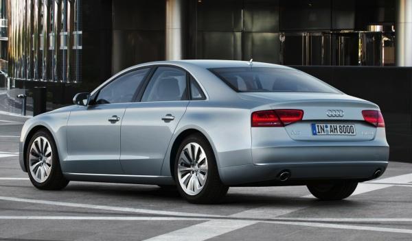 Trasera del Audi A8 hybrid