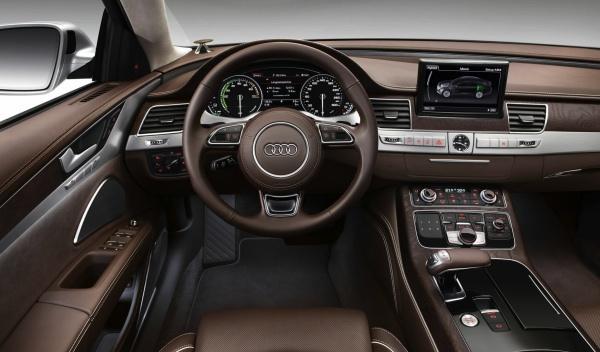 Interior del Audi A8 hybrid