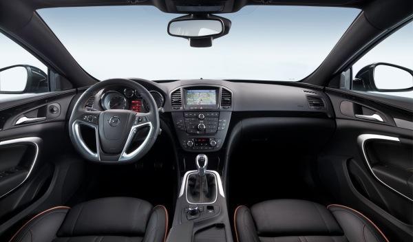 Opel-Insignia-2012-interior