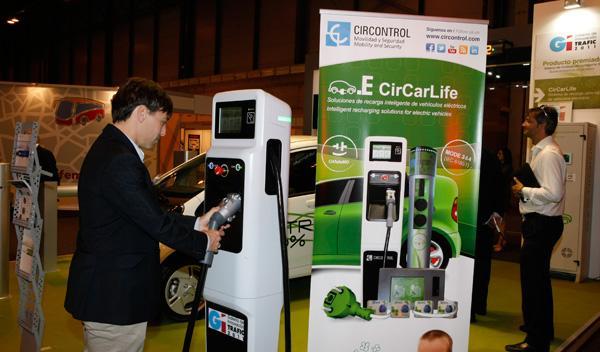 Poste de carga ultrarrápida de coches eléctricos Trafic 2011