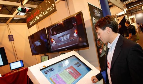 Sistema para localizar vehículos en un aparcamiento Trafic 2011