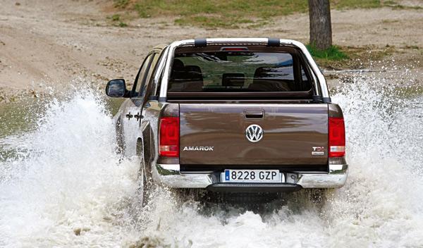 Volkswagen Amarok trendline trasera