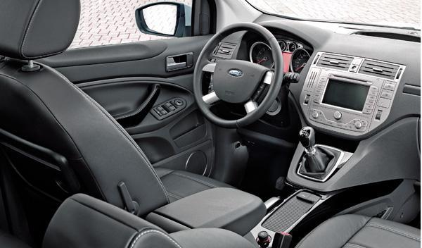 ford-kuga-tdci-140-interior-salpicadero