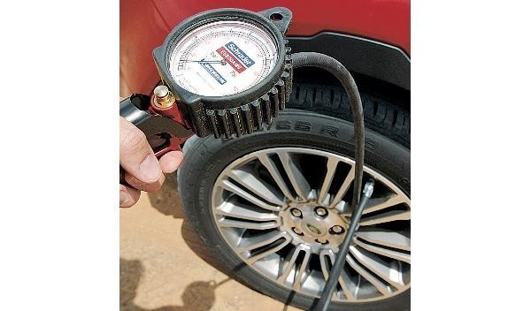 range-rover-evoque-dubai-neumáticos