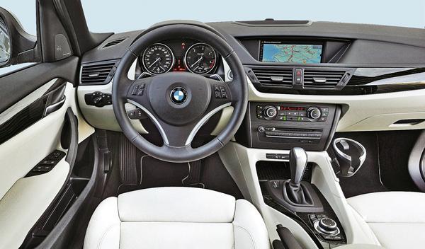 bmw x1 interior materiales