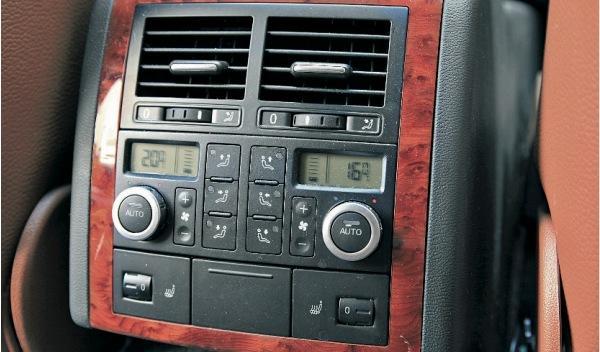 Segunda-mano-Volkswagen-Touareg-v10-tdi-climatizador