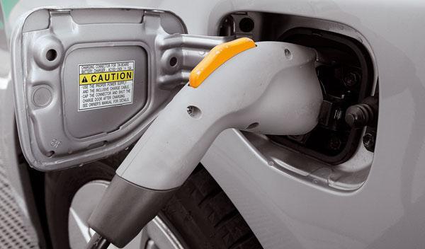 Enchufe de recarga del Toyota Prius PHV