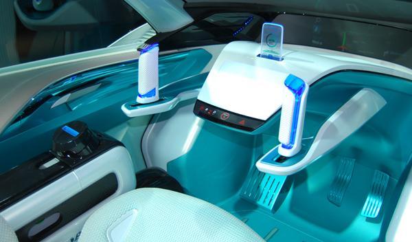 Honda Micro Commuter interior. Salón de Tokio 2011