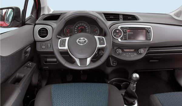 Toyota Yaris 2012 salpicadero