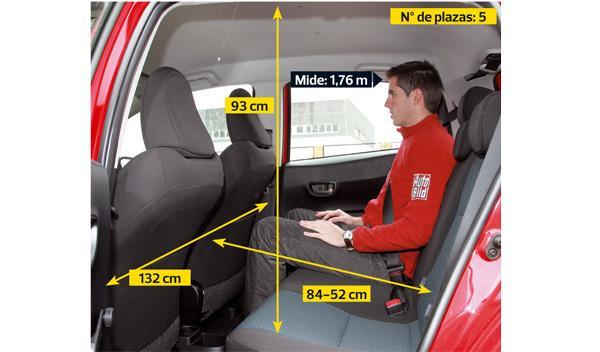 Toyota Yaris 2012 plazas traseras
