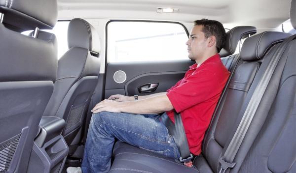 Range Rover Evoque 2.2 SD4 Dynamic Automático plazas traseras