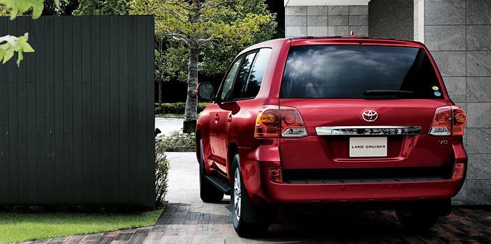 Nuevo Toyota Land Cruiser 200 trasera
