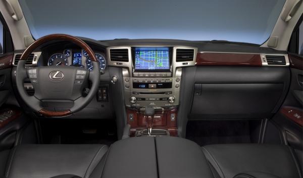 Nuevo Lexus LX 570 salpicadero