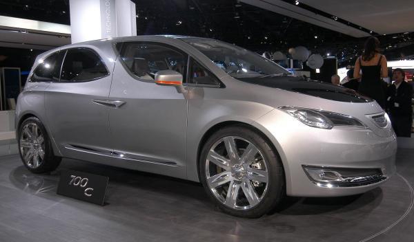 Chrysler 700C Salón de Detroit 2012