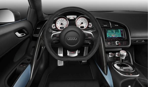 Audi R8 GT Spyder interior conductor