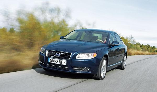 Volvo-S80-D5-exterior-frontal