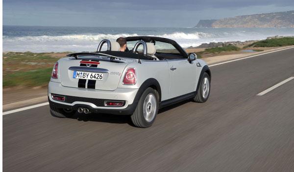 Mini roadster nuevo blanco trasera