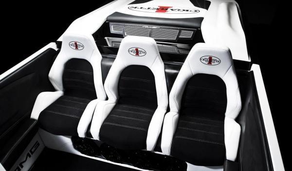 AMG Black Series 50'Marauder Cigarette asientos