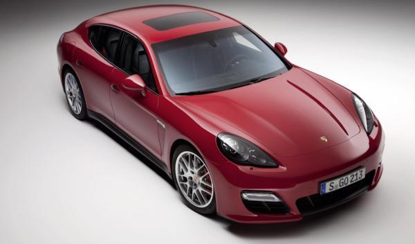 Porsche Panamera GTS del Salón de Ginebra 2012 frontal