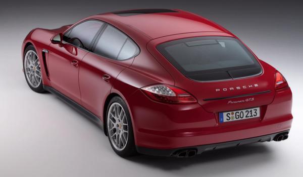 Porsche Panamera GTS del Salón de Ginebra 2012 trasera