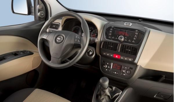 Opel Combo Tour interior