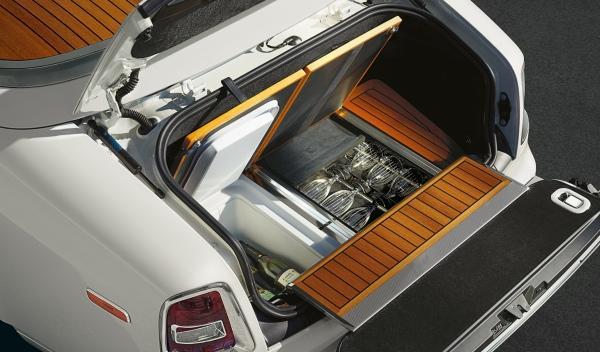 Rolls Royce Phantom Series II Salón Ginebra Drophead maletero