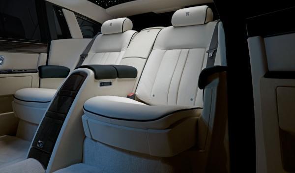 Rolls Royce Phantom Series II Salón Ginebra interior asientos batalla larga