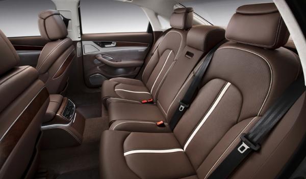 Audi A8 hybrid plazas traseras