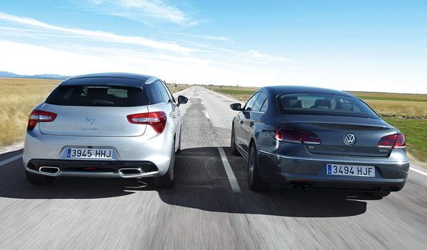 Trasera del Citroën DS5 y el Volkswagen CC