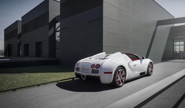 Bugatti-Veyron-Grand-Sport-'Wei-Long-2012'-Salón-de-China-trasera