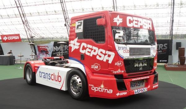 Equipo-Cepsa-de-Competición-frontal-camión