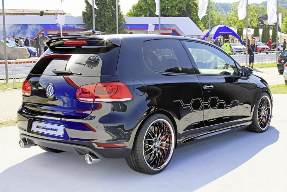 Volkswagen Golf GTI Black Dynamic zaga