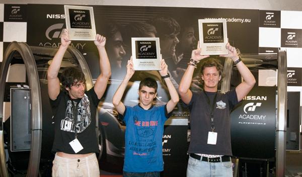 Lucas Ordoñez y ganadores GT Academy España