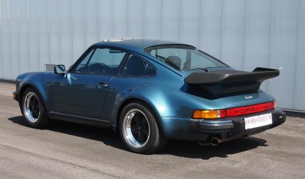 Subastan-Porsche-911-Bill-Gates-trasera