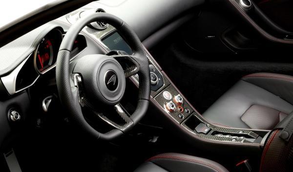 McLaren MP4-12C 2013 interior
