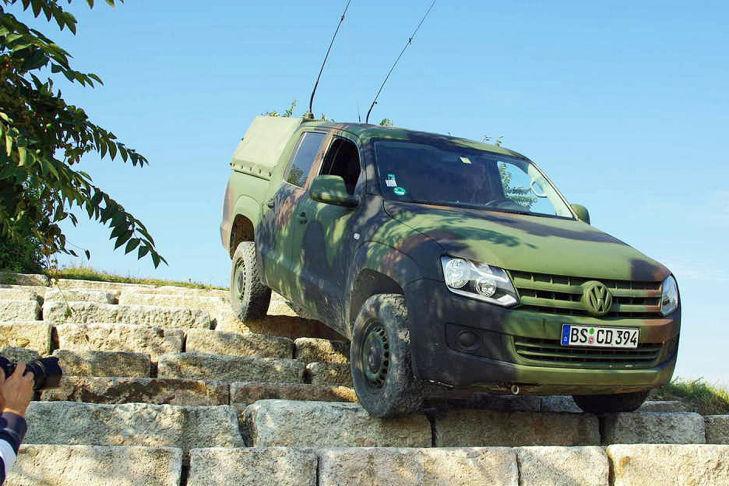 Nuevo Volkswagen Amarok M militar frontal