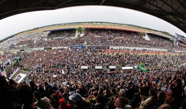 Impresionante vista de las gradas de las 24 Horas de Le Mans 2012