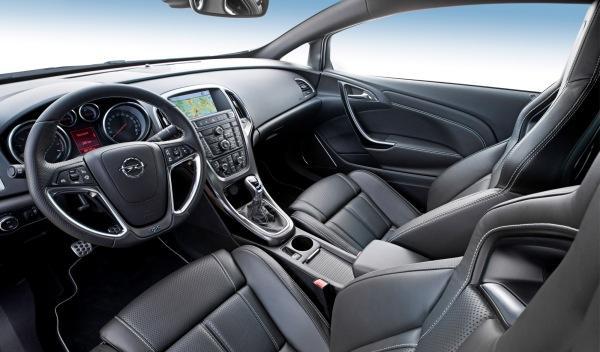 Opel Astra OPC Interior Salpicadero
