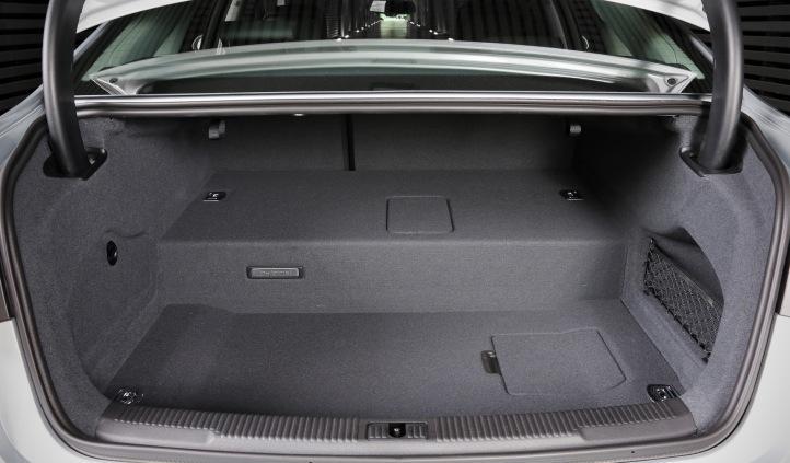 Audi A6 Hybrid interior maletero