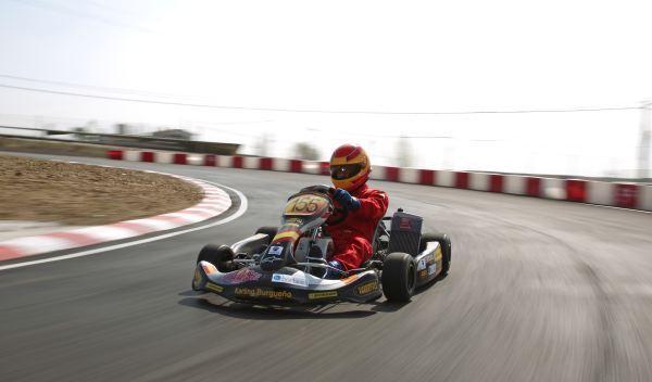 Kart de carreras-tres cuartos izquierdo