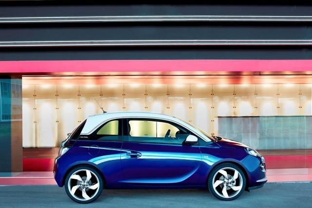 Opel-adam-azul
